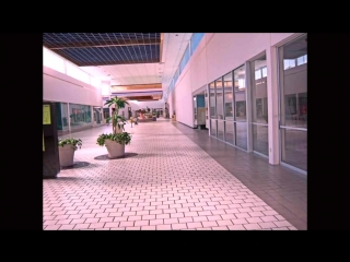 Toto — Africa (в пустом торговом центре)