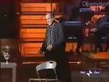 Адриано Челентано придумал песню на ходу. Импровизация. А ведь ему 80 лет)
