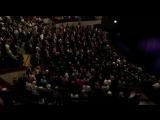 27.03.2018 — минута молчания в московском Театре сатиры в память о погибших в Кемерово