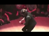 Лучший_танцор_в_мире_удивительной_робота_270p-360p.mp4