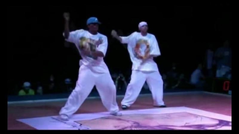 Juste Debout 2008 - Hip-Hop Battle Semifinale - Les Twins VS Niako Salas