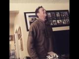 Брайан Краузе танцует под Майкла Джексона