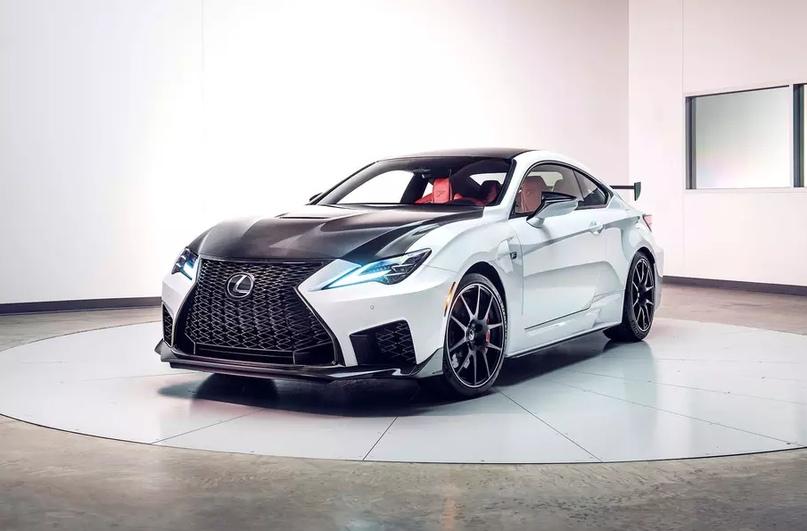 Обновленный Lexus RC F и трековая версия из карбона, изображение №6