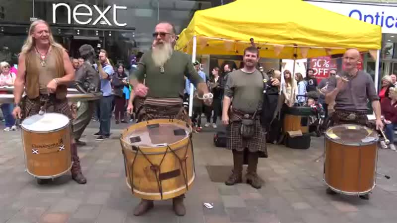 Clanadonia perform _Tu-Bardh_ live in Perth City Centre during Medieval Festival, Scotland 2017 - 4K [360p].mp4