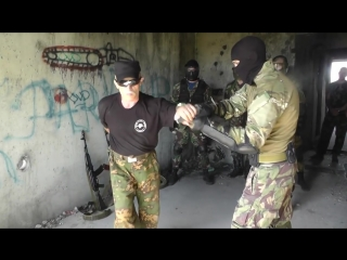 Самооборона спецназ. нож против пистолета в ограниченном пространстве