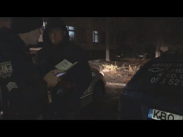 Бухий екс-беркутівець на блясі тікав від поліції та ледь не в'їхав у швидку