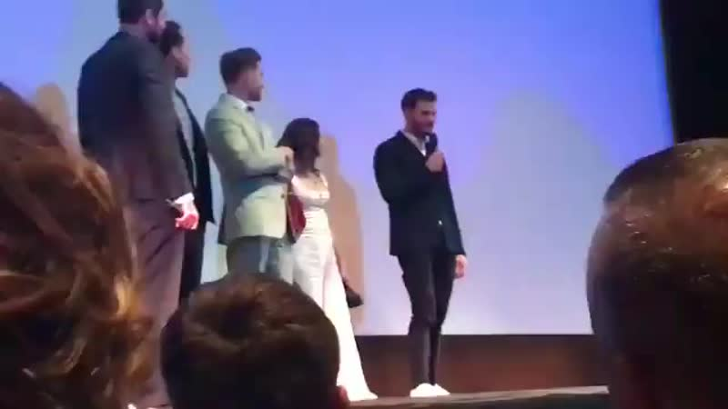 Jamie no palco após a exibição do seu filme no TIFF. (2)