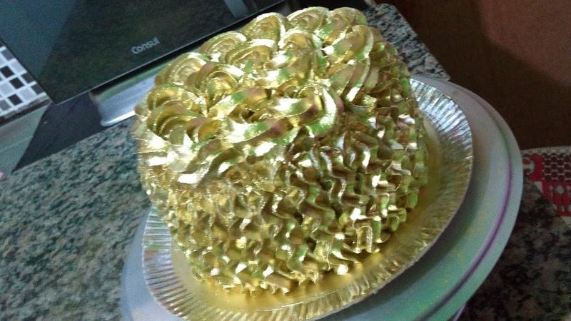 Como fazer bolo dourado sem o borrifador especial