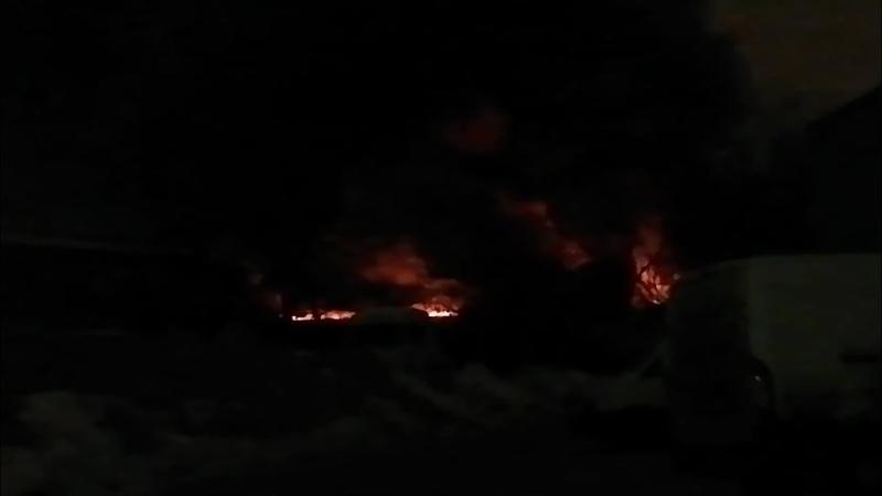 Склад горит в Москве на Промышленной улице ФАН публикует видео