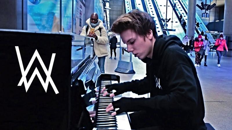 ALAN WALKER FADED PUBLIC PIANO PERFORMANCE