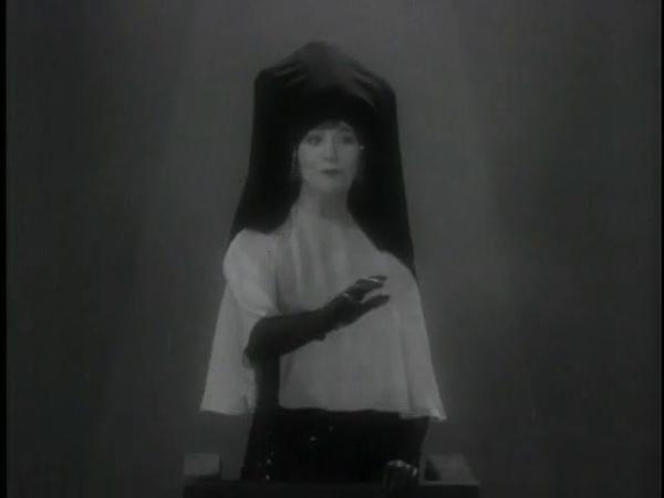 Fanny Brice Kickin A Hole In The Sky 1930