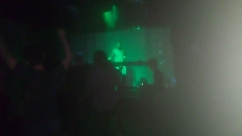 Moiss plays Lumoon Rob n La Papaye at 26 04 Sundries Night w Jeff The Fool