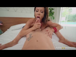 [Brazzers] Alexis Fawx  Bet You Can't Touch Her Boobs!(Big Tits,Milf,Blonde,Stepmom,Feet,POV,Wife)