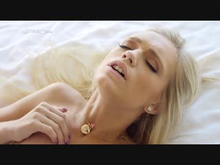 Красивая девушка, в чулках, блондинка, молодая, фигуристая, шикарная, сучка, секс, порно, 18, ххх, xxx, alex grey