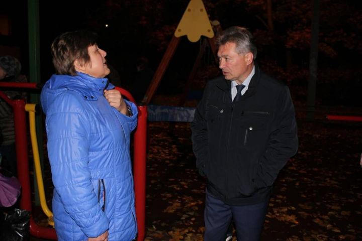Жильцы дома с протекающей крышей обратились за помощью к депутату Лыткарина