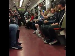 Человек-паук был замечен в метро Санкт-Петербурга! )