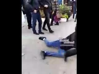 """Парень решил разыграть пассажиров и бросил пакет в автобус c криком: """"Аллаху Акбар"""" ъ"""