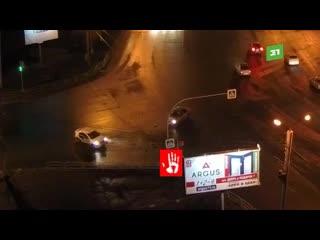 Лихач влетел в такси на Комсомольском проспекте.