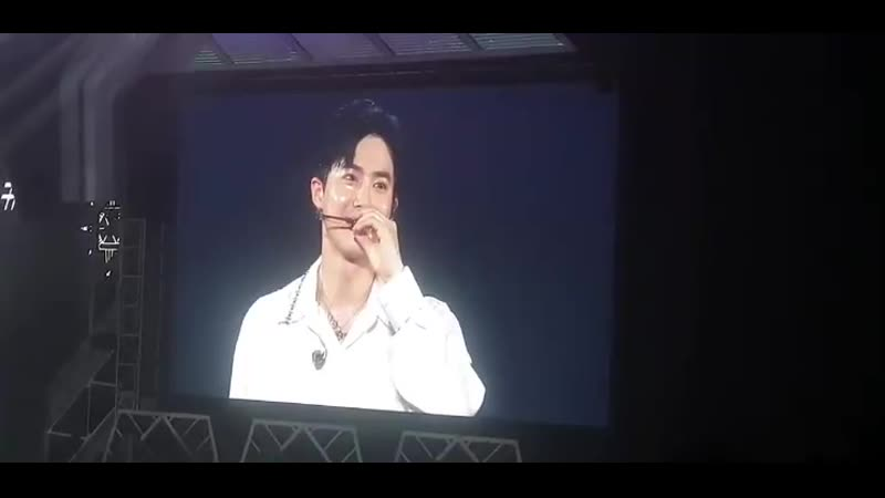 EXplOrationinSG EXOs leader SUHO said that he misses SG that he actually visited Merlion Park to enjoy the night view