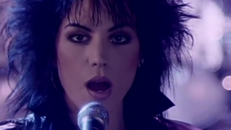 Joan Jett - I Hate Myself For Loving You. [1080p].