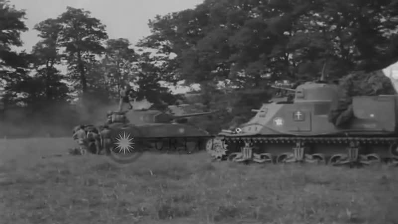 извлечение экипажа танка Шерман после атаки Пантерой
