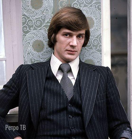 Александр Абдулов, сегодня его день рождения  Какой ваш любимый фильм с ним