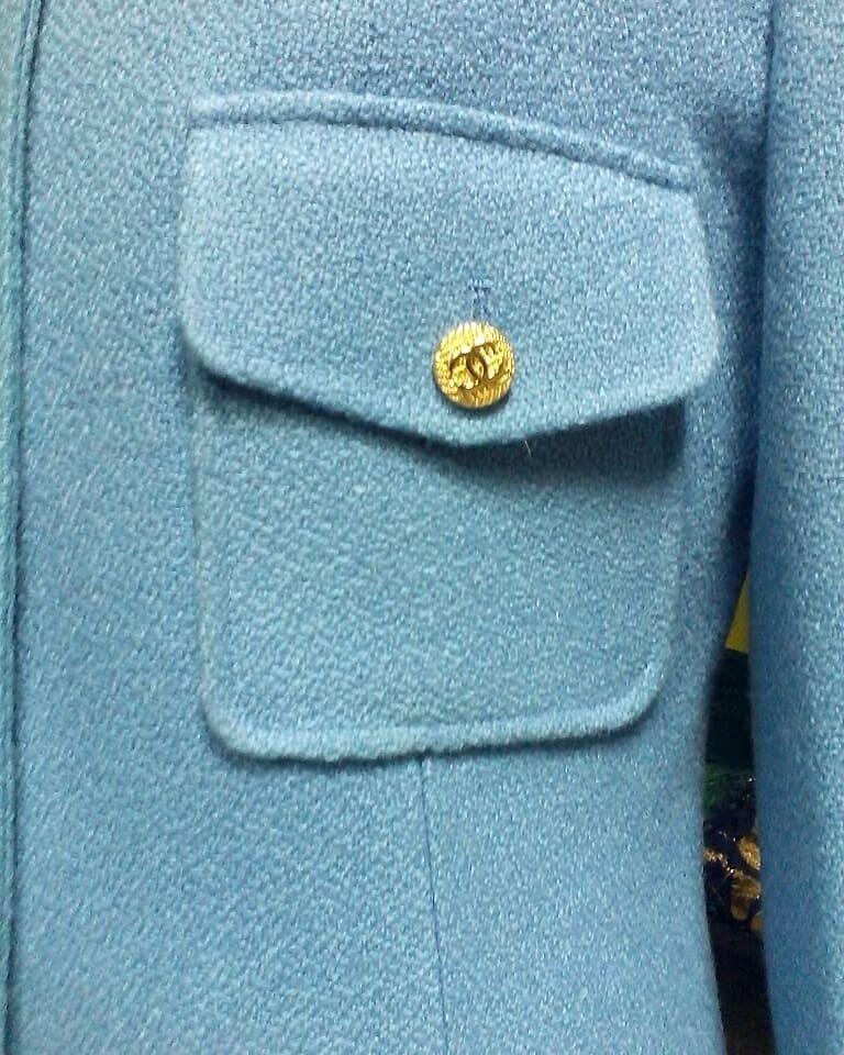 Наша работа - тёплый #жакет из роскошного #твида, накладные карманы с клапанами, застёжка на пуговицы #Chanel, подкладка вискоза.