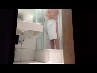 подглядывание в душе ролики на телефон