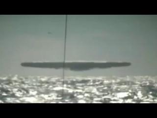 Огромные НЛО над океаном