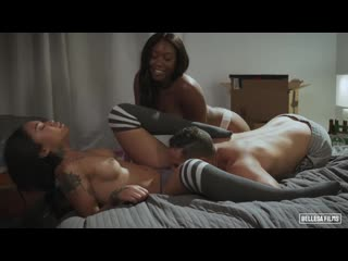 Chanell Heart and Honey Gold - New Neighbors [All Sex, Hardcore, Blowjob, Threesome]
