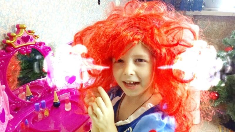 Лина играет в салон красоты для принцесс Новый стиль для Белоснежки Lina becames a Princes