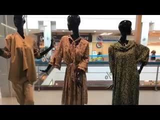 Новое-поступление-стильной-летней-коллекции-в-магазине-женской-одежды-glonttifamily