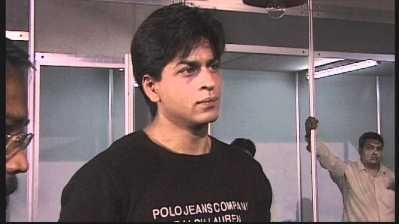 Shahrukh Khan on the set of One 2 Ka 4 Excerpt from Mumbai Masala Bollywood Film Industry