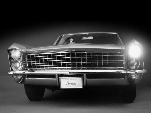 196365 Buic Riviera Модель Riviеra высшее достижение семейства Buic в жанре шикарных купе. Автомобиль наградили экстравагантным стилем и колоссальным запасом мощности. Перед дизайнерами стояла