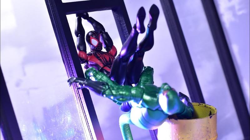 Medicom Mafex 092 Marvel Miles Morales Spider-Man (Guruhiri Art Ver.) Review