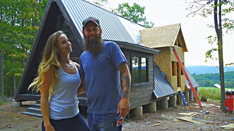TIMELAPSE House Built By Couple in 20 Minutes