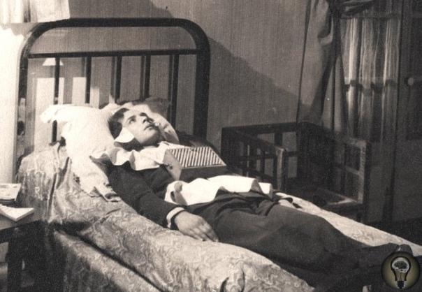 Загадка странной сонной болезни, которая в начале ХХ века погубила миллионы жителей Европы Эпидемия коронавируса, бушующая в наши дни, далеко не первая пугающая массовая эпидемия за последние