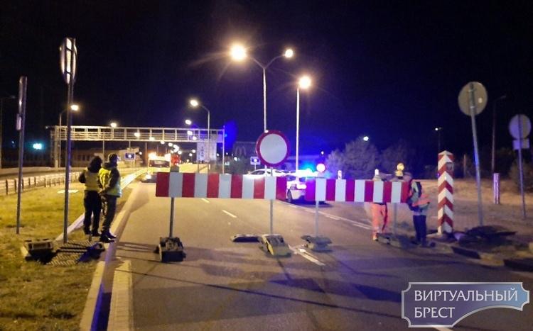 Поляки привлекли инженерные войска, чтобы перекрыть трассы внутри страны