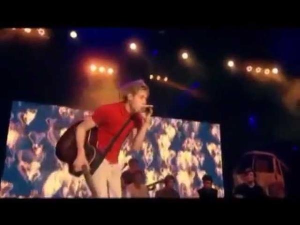 Niall Horan Singing Stereo Hearts