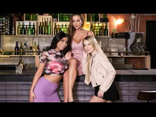 Abigail Mac, Scarlett Sage & Violet Myers - Crash Course