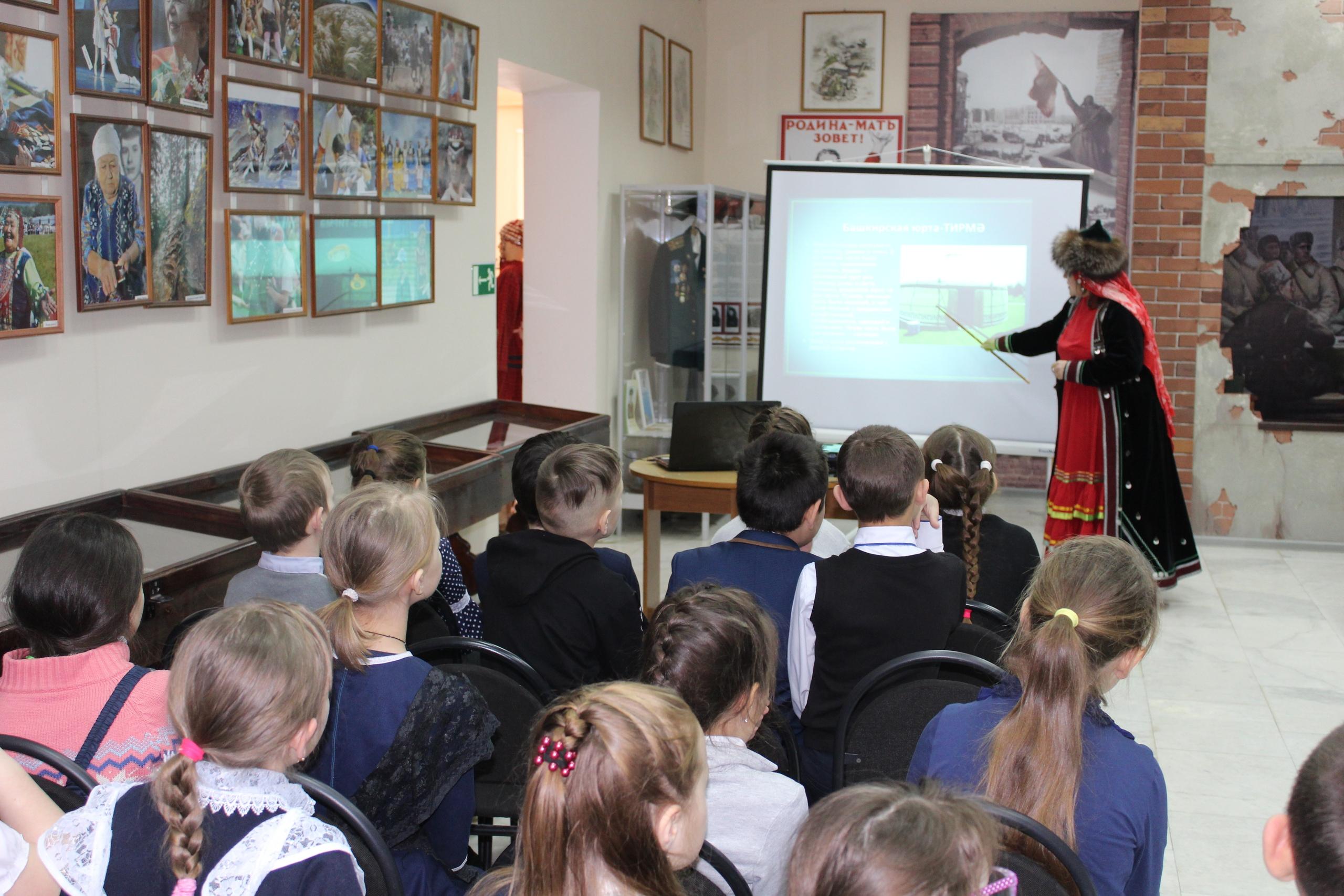 Ермекеевский историко-краеведческий музей присоединился к Республиканской музейной