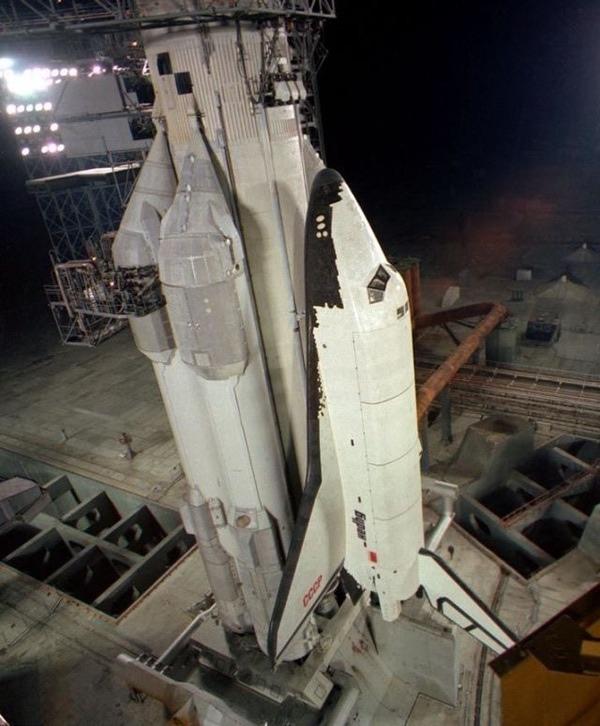 Как представление о том, что американский Space Shuttle может быть использован в качестве бомбардировщика, повлияло на развитие его советского коллеги «Бурана»?
