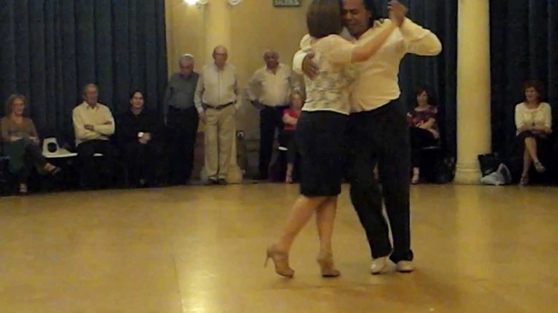 Видео Susana Ferrantes Luis Rojas bailan tango смотреть онлайн