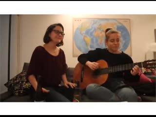 Испанцы на карантине поют песню Виктора Цоя