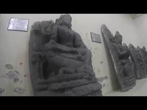 Музей Рашаи Скрытая съемка пушки статуи лингамы
