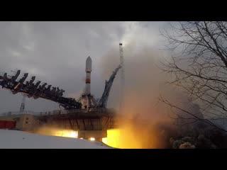 Пуск ракеты-носителя «союз-2» с космическим аппаратом «меридиан-м» на космодроме плесецк ()