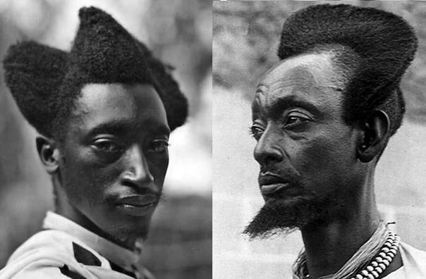 Нет, это не кадры из фантастического фильма, а вполне реальные жители Руанды с прической амасунзу, запечатленные фотографом в 1923 году