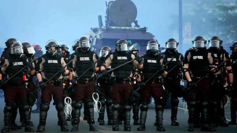 Как Амуниция и Вооружение влияет на психологию полицейских VOXxPAPALAM