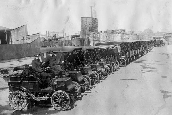 Тесла - начало. Электрокары ньюйоркской компании Томаса Эдисона на Манхэттэне, 1906 год.