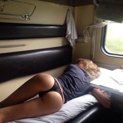 Секс игра в поезде